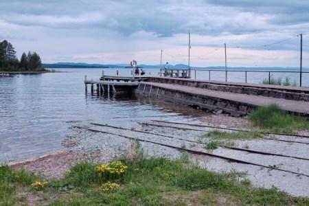 lake tracks
