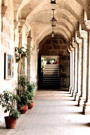 19 arequipa claustros arches