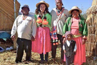 88 lake titicaca isla kantuta family