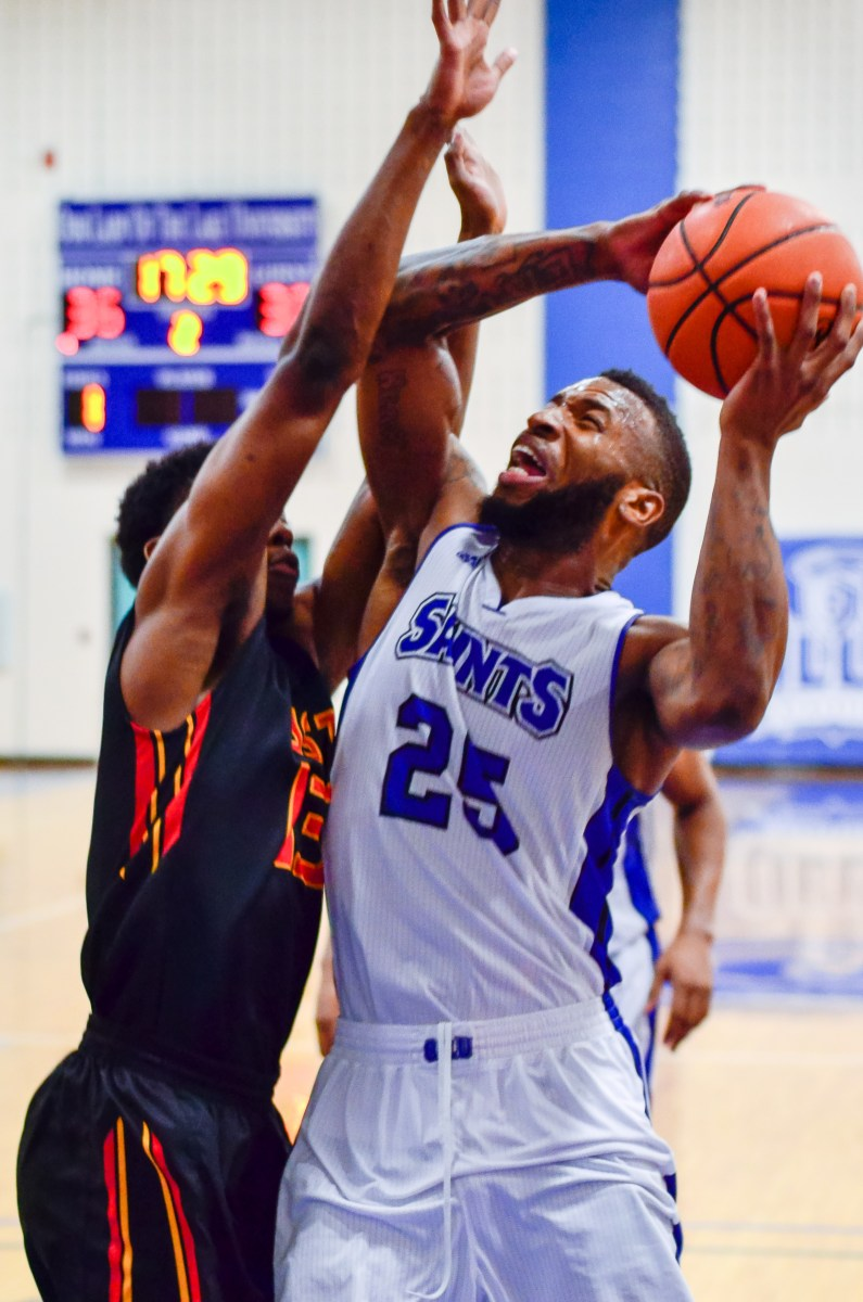 Men's basketball drops first game in RRAC to USW – OLLU