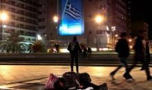 Οι ξένοι φοιτητές Erasmus στην Αθήνα δίνουν το παράδειγμα: Μοίρασαν τρόφιμα και ρούχα στους άστεγους (video)