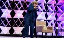 Πέταξαν παπούτσι στη Χίλαρι Κλίντον (video)