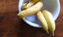 Μάθετε πως να κρατάτε τις μπανάνες σας φρέσκες