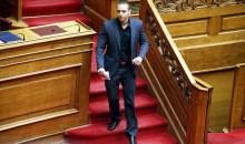 Απειλεί με νέες συνομιλίες με βουλευτές της ΝΔ και του ΣΥΡΙΖΑ ο Ηλίας Κασιδιάρης