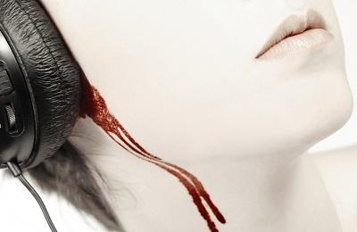 Кровь из ушей причины что делать и как остановить