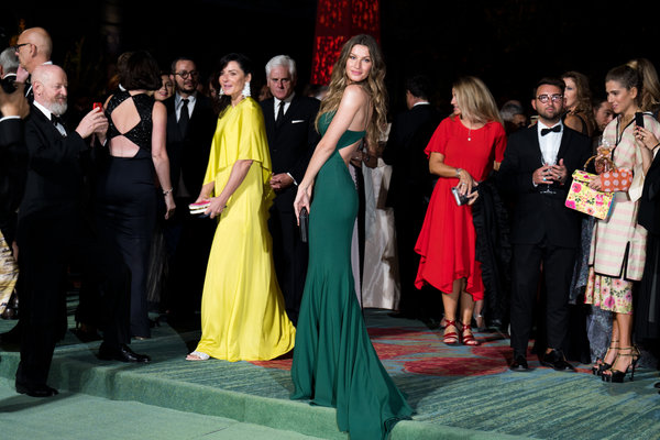 In Milan, Fashion Walks the Green Carpet