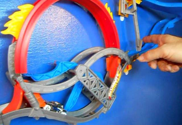 Hot Wheels Wall Tracks: Epic Product Review!