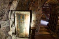 Questo è l'unico affresco di cui si sappia che rappresenta il santo di Assisi prima che diventasse santo. This is the unique frescoe representing Assisi's Saint before he become a Saint.