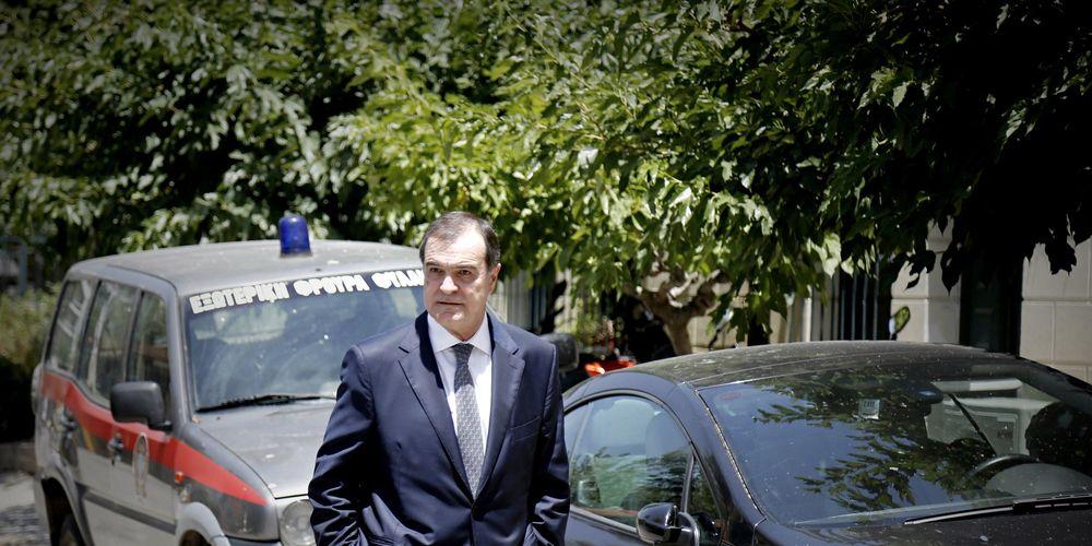 Έφοδος στο σπίτι του Βγενόπουλου και 4 συνεργατών του από οικονομικούς εισαγγελείς