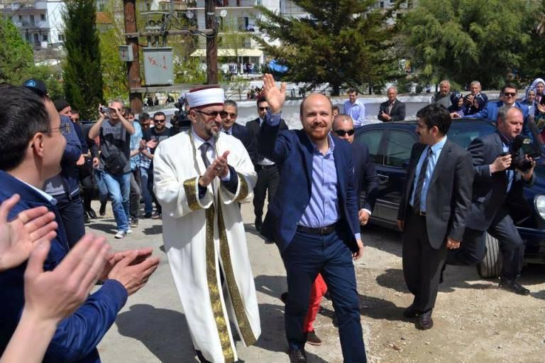 """ΜΗΝ ΤΟΛΜΗΣΤΕ ΠΡΟΒΟΚΑΤΣΙΑ ΣΤΗΝ ΘΡΑΚΗ-Ο Ερντογαν πούλησε τον άνθρωπό του Αχμέτ Μετε και μπήκε στην """"λίστα Γκιουλέν"""""""