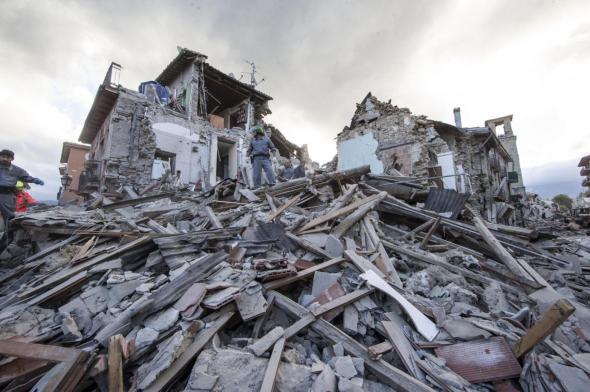 Απίστευτο σοκ στην Ιταλία 247 οι μέχρι τωρα νεκροί απο τον σεισμό