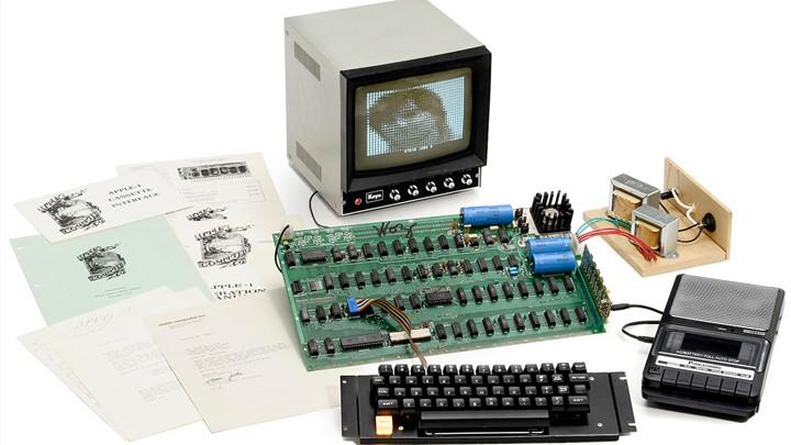Έχεις Apple; Έχεις θησαυρό Πωλήθηκε έναντι 815.000 δολαρίων ο πρώτος υπολογιστής Apple