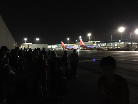 Συναγερμός στο αεροδρόμιο του Λος Άντζελες Εκκενώνεται το LAX Πληροφορίες για παρουσία ενόπλου