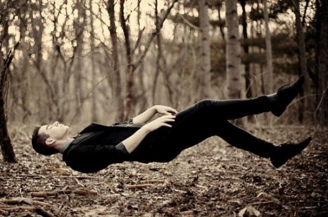 8 συναρπαστικά πράγματα που συμβαίνουν στο σώμα μας ενώ κοιμόμαστε