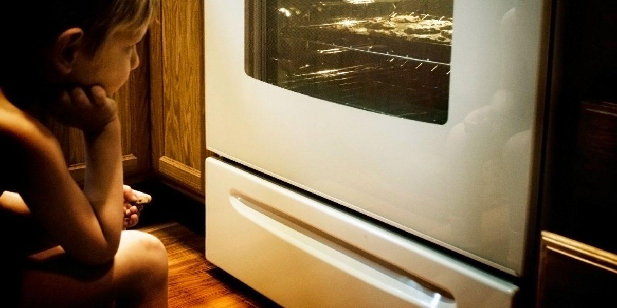 Τελικά σε τι χρησιμεύει το συρτάρι κάτω από τον φούρνο μας;