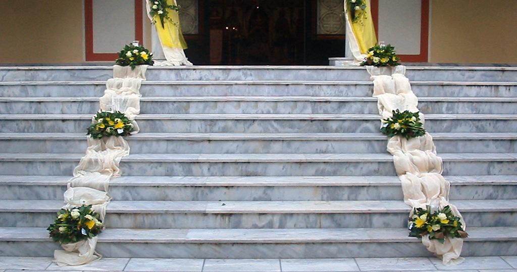Πόσο κοστίζει να παντρευτείς, να βαφτιστείς και να πεθάνεις στην Ελλάδα του σημερα