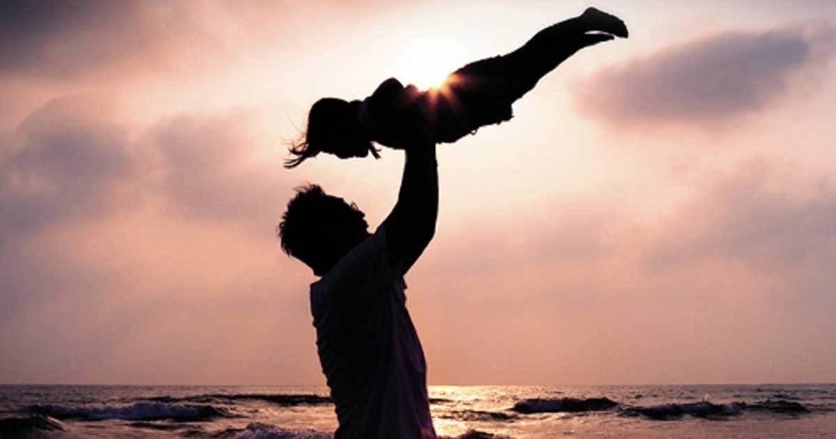 Αληθινές ιστορίες Πίσω από κάθε καλή μητέρα, υπάρχει ένας υπέροχος πατέρας. Ο δικός της!