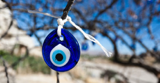 Συμπτώματα και θεραπεία από το «κακό μάτι»!