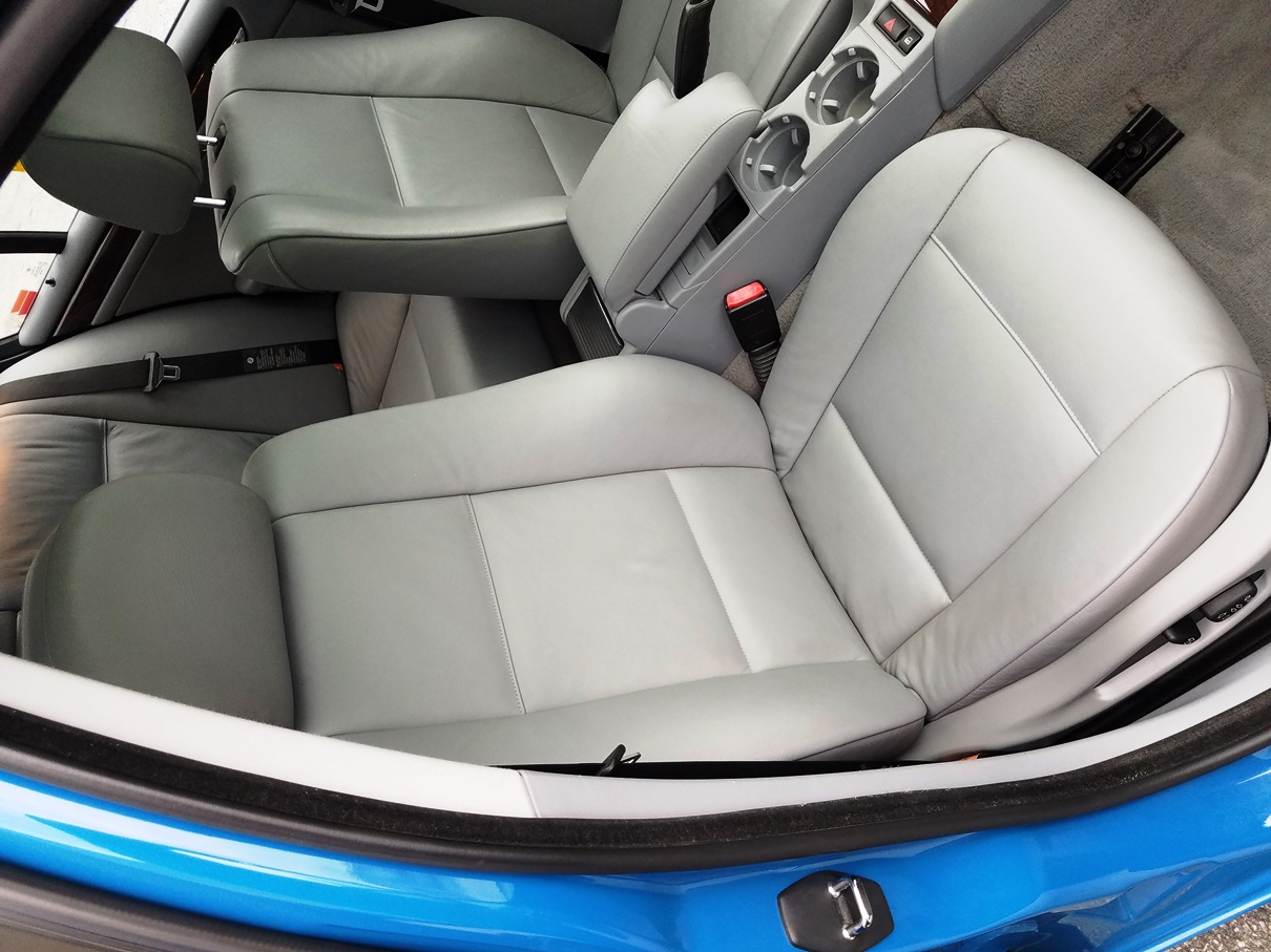 2004 BMW front interior angled