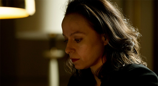 Naomi-Frankcom-The-Last-Panthers-Episode-103-41-700x384-620x340