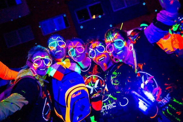 Les maquillages fluorescents de l'Electric Run - Ômagazine