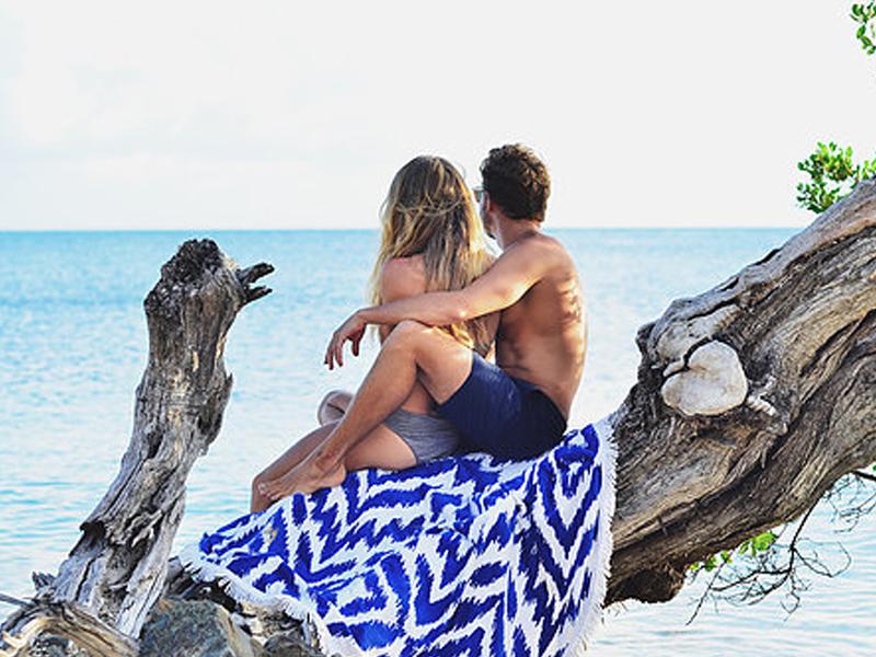 La serviette de plage se réinvente Les antillaises2 - Ô Magazine