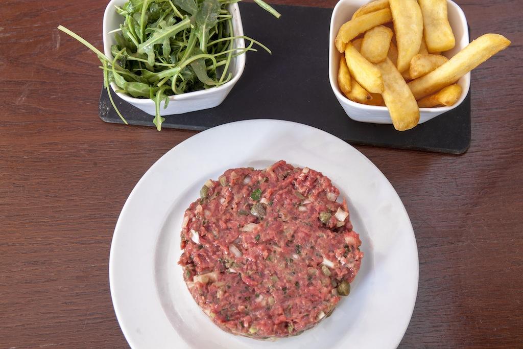 Plat du restaurant AOC, Paris