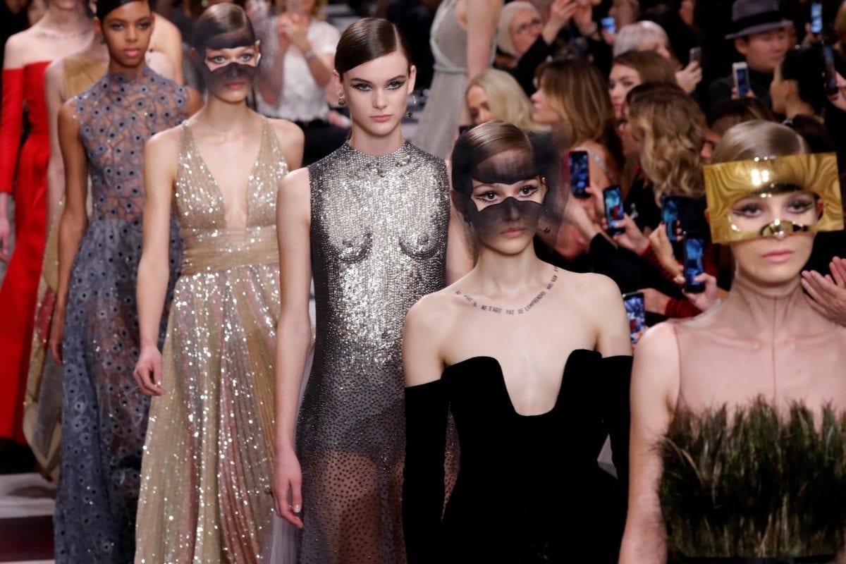 Comment Paris devint-elle la capitale de la mode ?