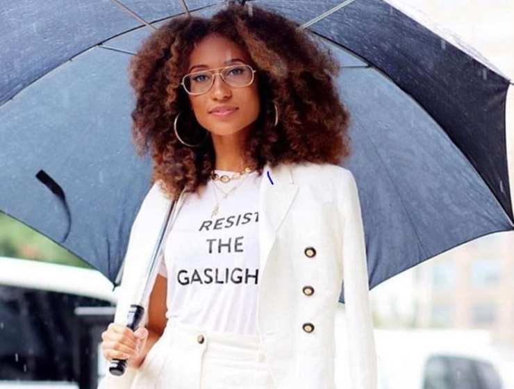 Ancienne rédactrice en chef du magazine américain Teen Vogue, la journaliste Elaine Welteroth a profondément modifié la ligne éditoriale de la publication
