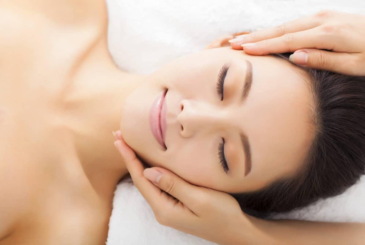 La peau est notre organe sensoriel le plus développé. Elle révèle nos émotions et en dit beaucoup sur notre équilibre intérieur
