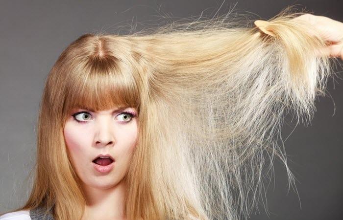 Des causes externes peuvent abîmer les cheveux : à la longue, colorations, permanentes, fers à friser et expositions excessives au chlore
