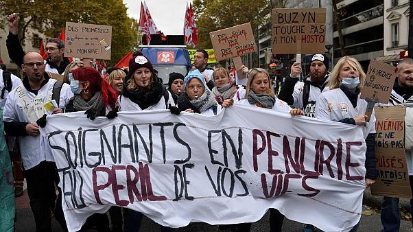 Photo provenant de Euronews. https://fr.euronews.com/2019/11/14/l-hopital-public-en-colere-manifestation-nationale-en-france