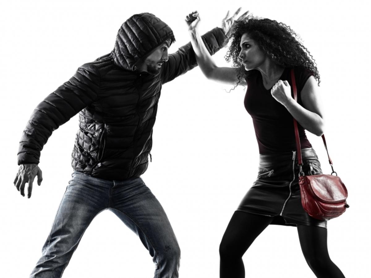 Auto-défense : la contre-attaque féminine