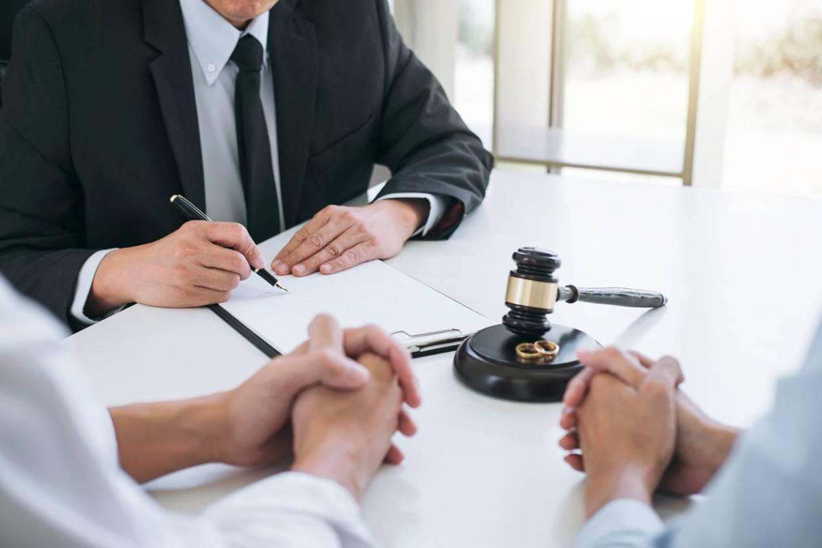 Divorce par consentement mutuel : une procédure rapide et facile grâce à l'aide d'un avocat spécialisé