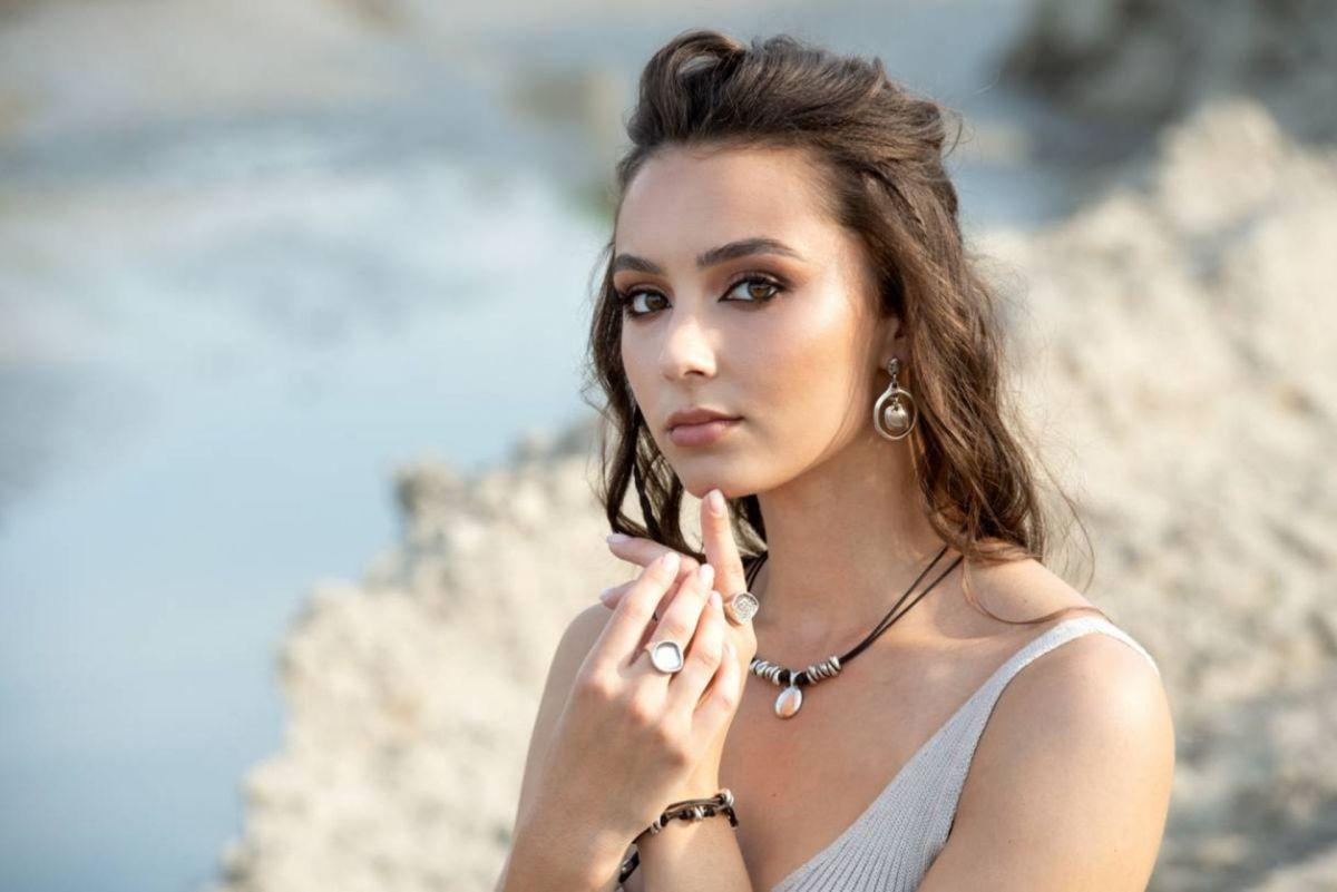 Look estival : comment bien choisir ses bijoux ?