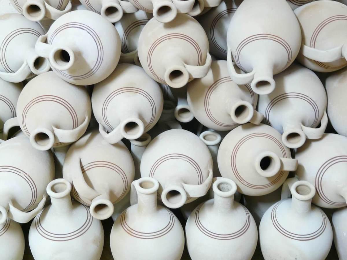 Vases en poterie