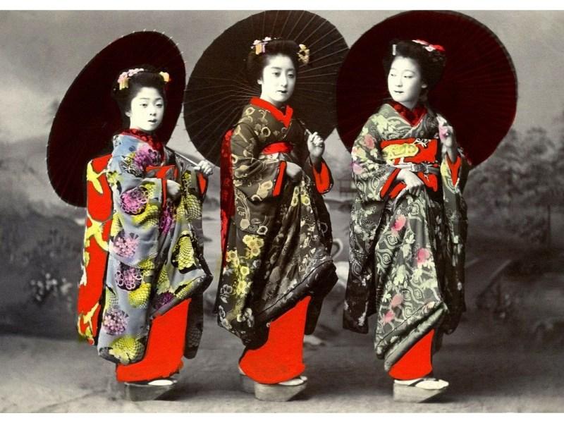Tuto maquillage geisha - Trois femmes geishas.