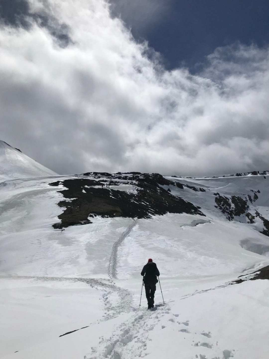 Hiking the Laugavegur trail in the snow