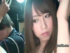 吉沢明歩が満員バスで痴漢に遭遇するチューブエイト動画