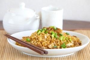 Reis mit Ei und Butterkarotten