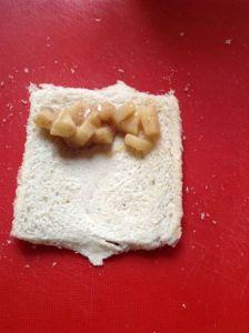 Toastscheiben belegen
