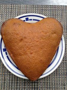 Möhrenkuchen in Herzkuchenform