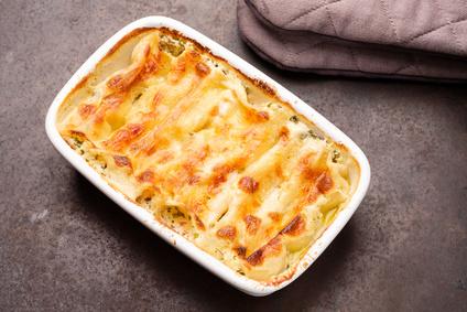 Gebackene Cannelloni mit Käse überbacken