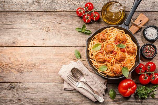 Spaghetti mit Fleischbällchen