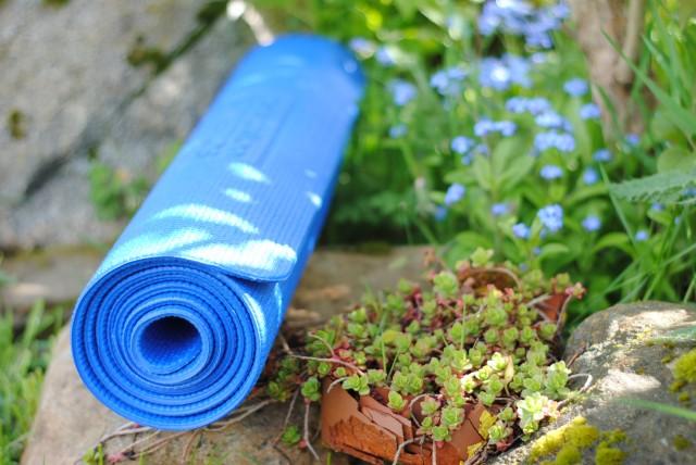 yoga-outside1