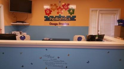 NorthFultonPediatricianFrontdeskAreaOmegaPediatrics.jpg