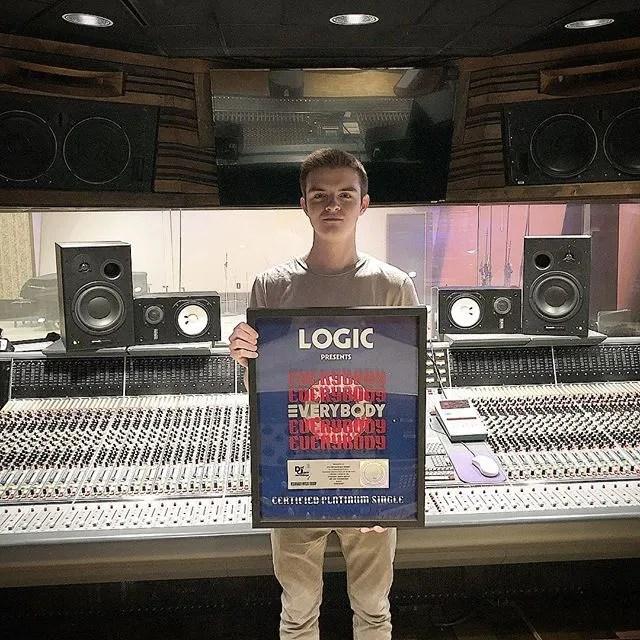 Kyle Metcalfe with Platinum Logic Single