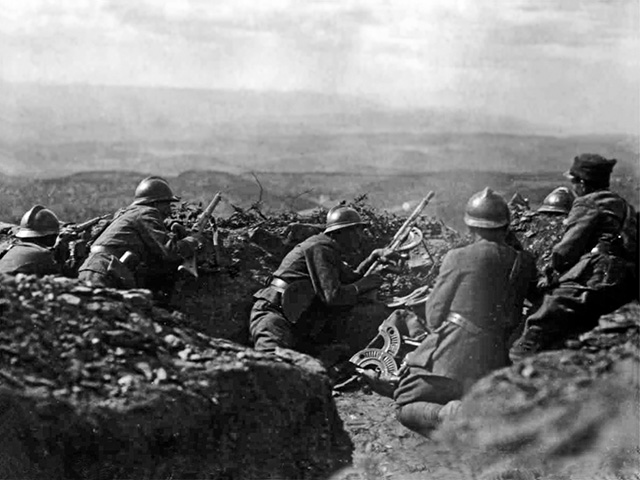 Yunan askerleri Karahisar da