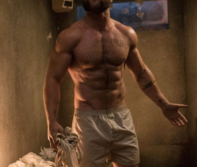 Omg Hes Naked Jai Courtney Gives  The Full Frontal Theyve