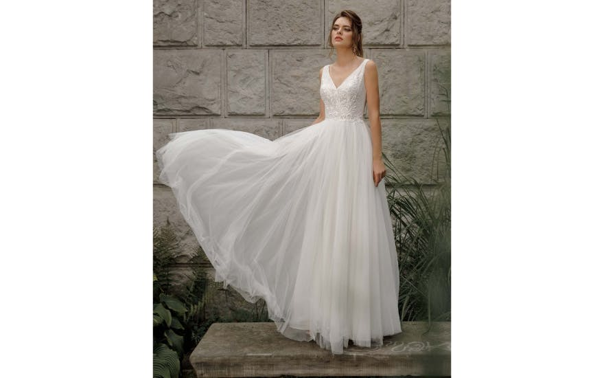 Simple Tulle Wedding Dress by Herms